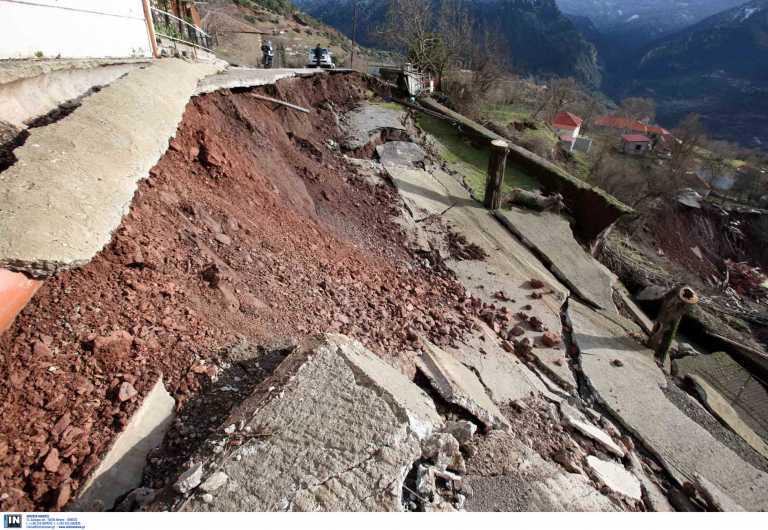 Τρίκαλα: Καθιζήσεις και πτώσεις βράχων σε Καλαμπάκα και Πύλη