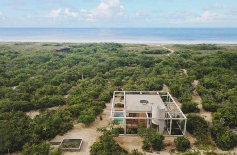 Μια παραθαλάσσια κατοικία για όσους θέλουν να ξεφύγουν από το χάος της πόλης