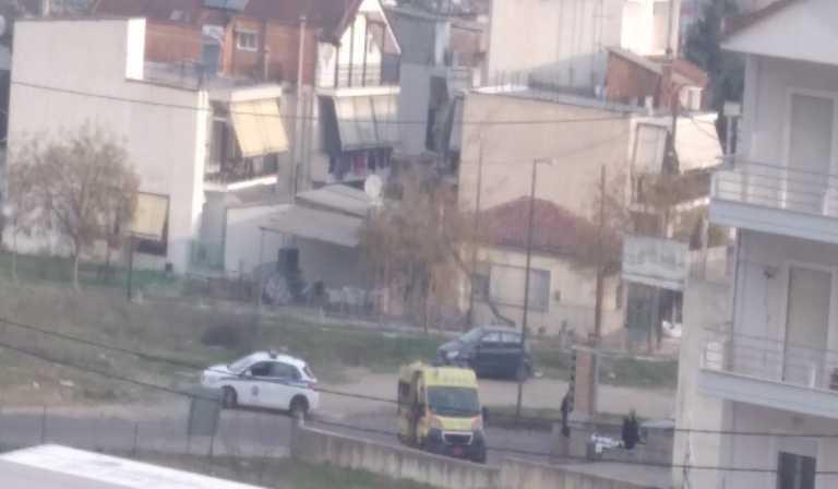 Συναγερμός στη Λάρισα: Εντοπίστηκε νεκρός άνδρας στην περιοχή της Τούμπας