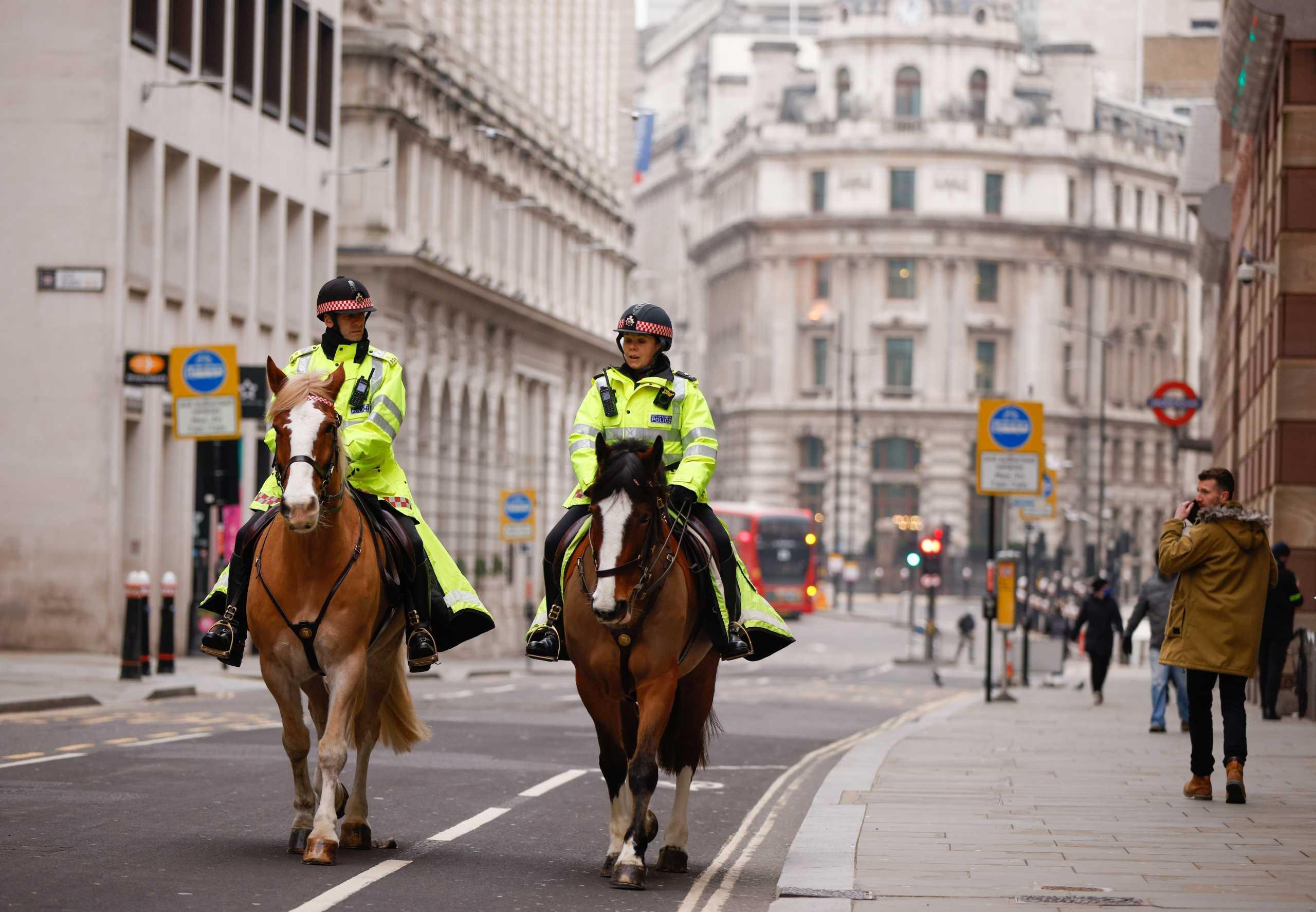 Λονδίνο: Ένας στους 30 με κορονοϊό – «Πνίγεται» στα κρούσματα