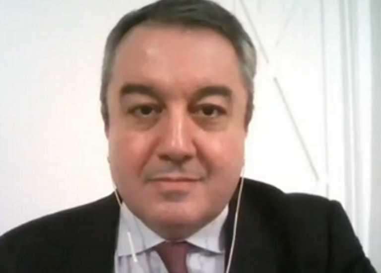 Καθηγητής Μόσιαλος για τις εικόνες συνωστισμού: «Πρέπει να προσέχουμε» (video)