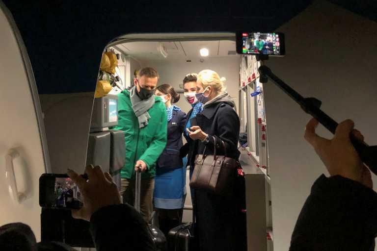 Ρωσία: Συνελήφθη μόλις έφτασε στη Μόσχα ο Αλεξέι Ναβάλνι