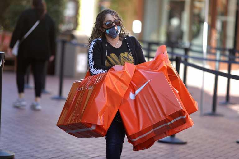 Αλλαγές στον τρόπο πώλησης στην Ελλάδα ετοιμάζει η Nike: Αντιδρούν οι Έλληνες καταστηματάρχες