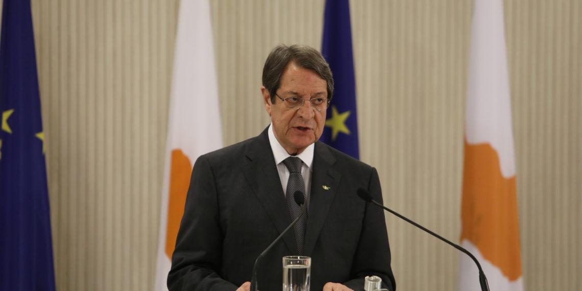 Κυπριακό: Αύριο οι επαφές Λουτ με Αναστασιάδη και Τατάρ με φόντο την Πενταμερή του ΟΗΕ