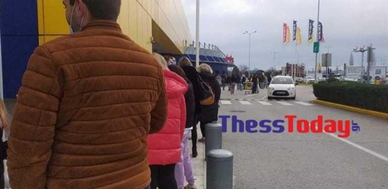 Θεσσαλονίκη: Ξεχύθηκαν οι καταναλωτές – Ατελείωτη ουρά σε πολυκατάστημα επίπλων (pics, video)