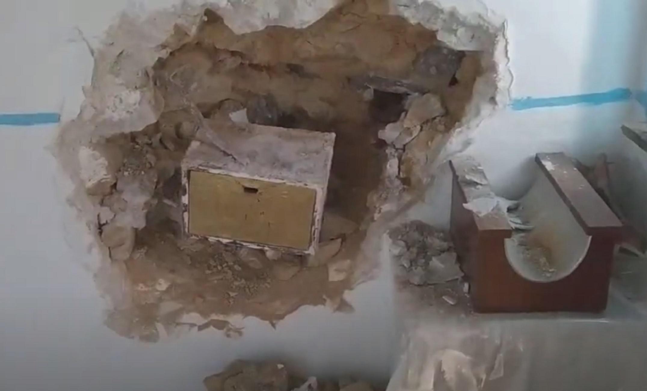 Λέσβος: Έσκαψαν τον τοίχο για να βουτήξουν το παγκάρι της εκκλησίας – Δείτε τις απίστευτες εικόνες (video)
