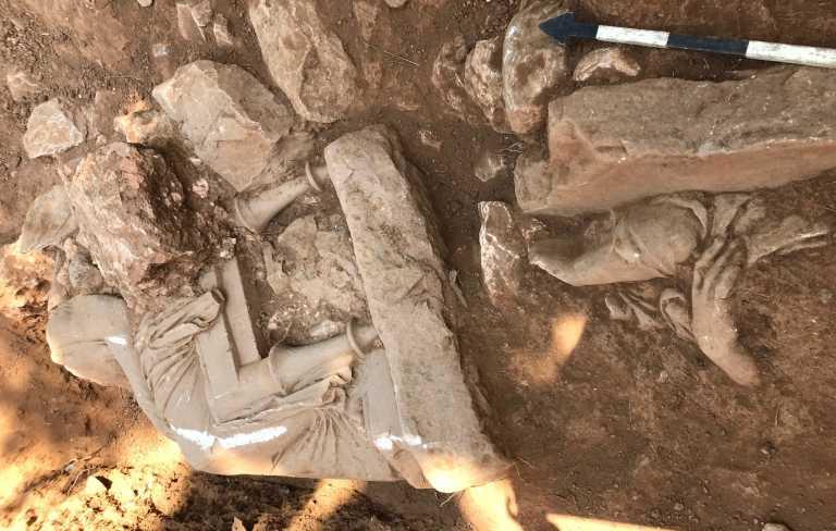 Παιανία: Βρέθηκε αρχαίο μνημείο στο μέρος που θα χτιστεί το νέο Δημαρχείο (pics)