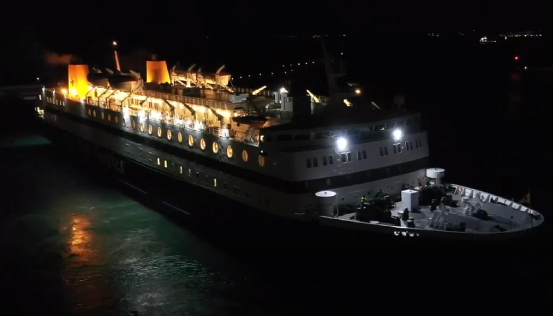Χίος: Ο καπετάνιος του πλοίου Διαγόρας έλαβε τιμητική πλακέτα μετά από αυτές τις εικόνες (video)
