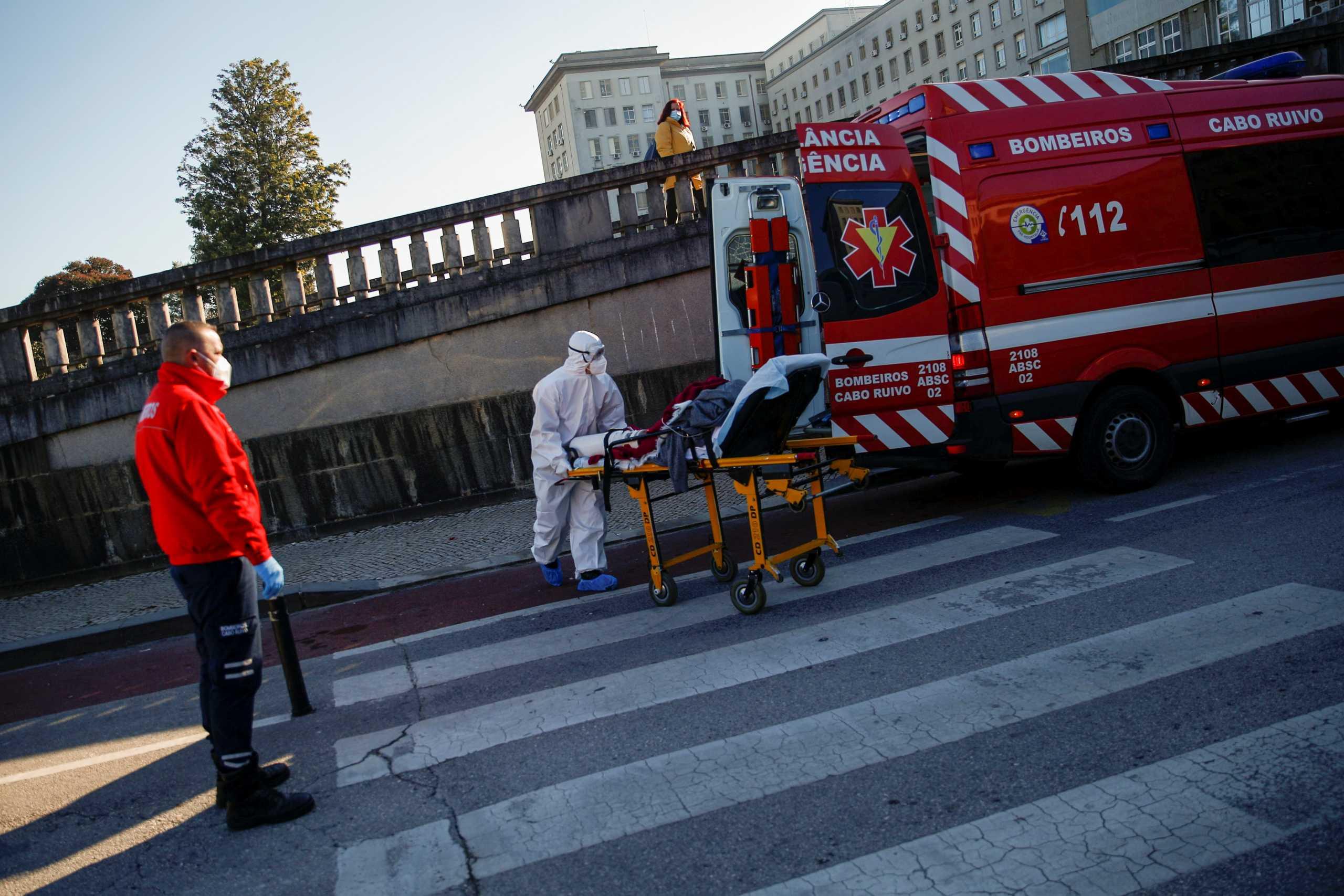 Κορονοϊός: «Έσπασε το φράγμα» των 800.000 κρουσμάτων στην Πορτογαλία