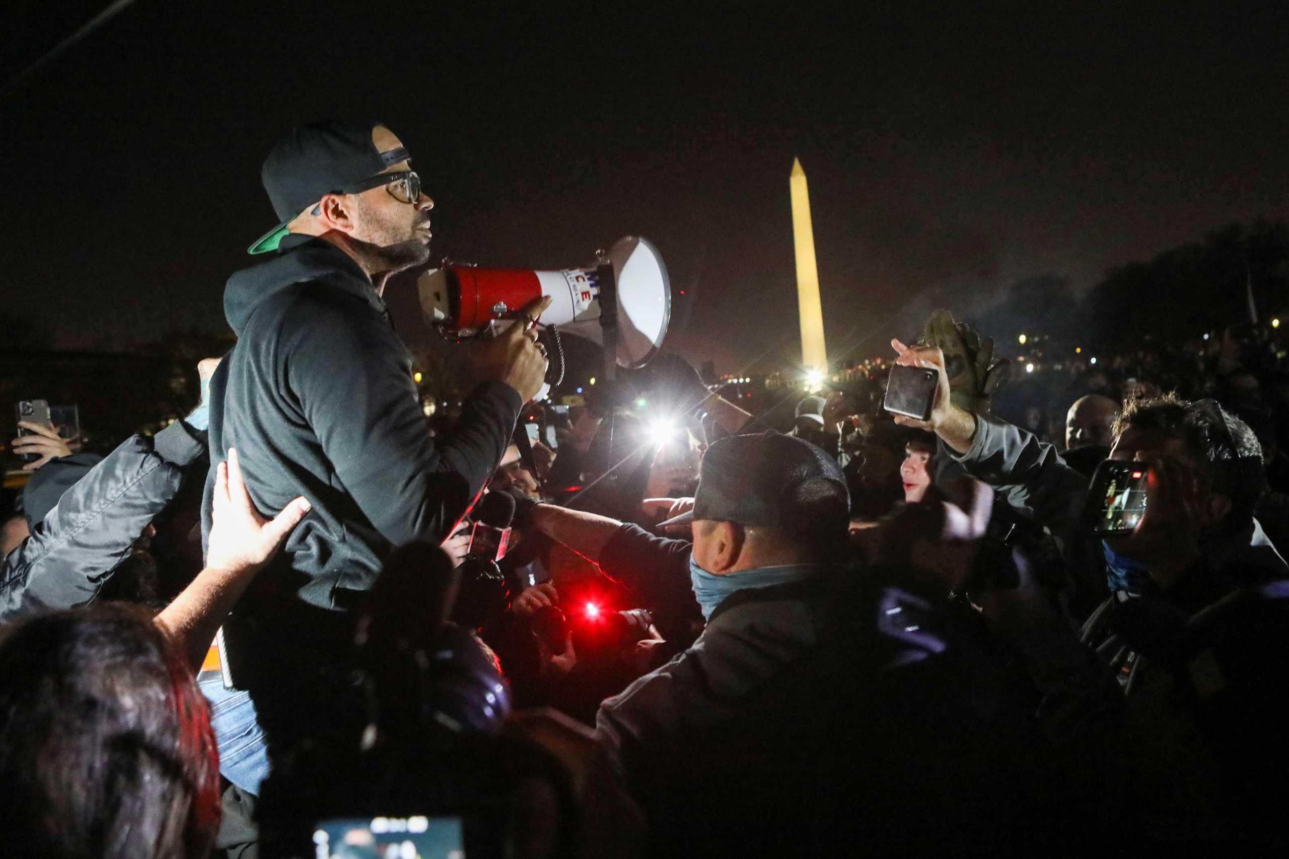 ΗΠΑ: Χειροπέδες στον «Αφροκουβανό» ηγέτη των ακροδεξιών Proud Boys