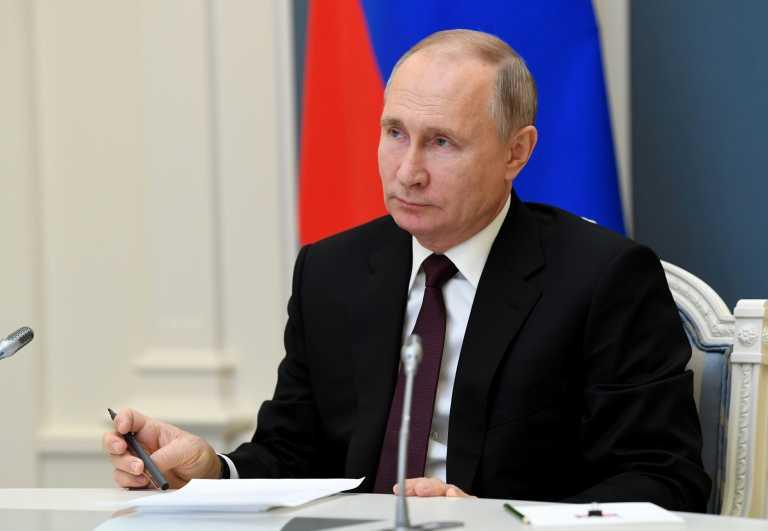 Νταβός: Ομιλία Πούτιν στη σκιά της υπόθεσης Ναβάλνι