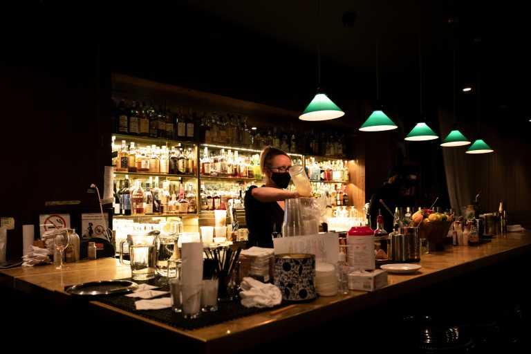 Κορονοϊός: 240 δισ. δολάρια κόστισε στα εστιατόρια των ΗΠΑ