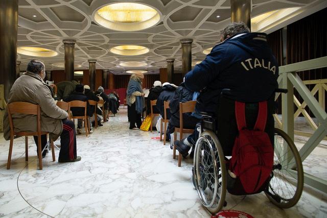 Ιταλία – Κορονοϊός: Το Βατικανό ξεκίνησε να εμβολιάζει τους άστεγους της Ρώμης
