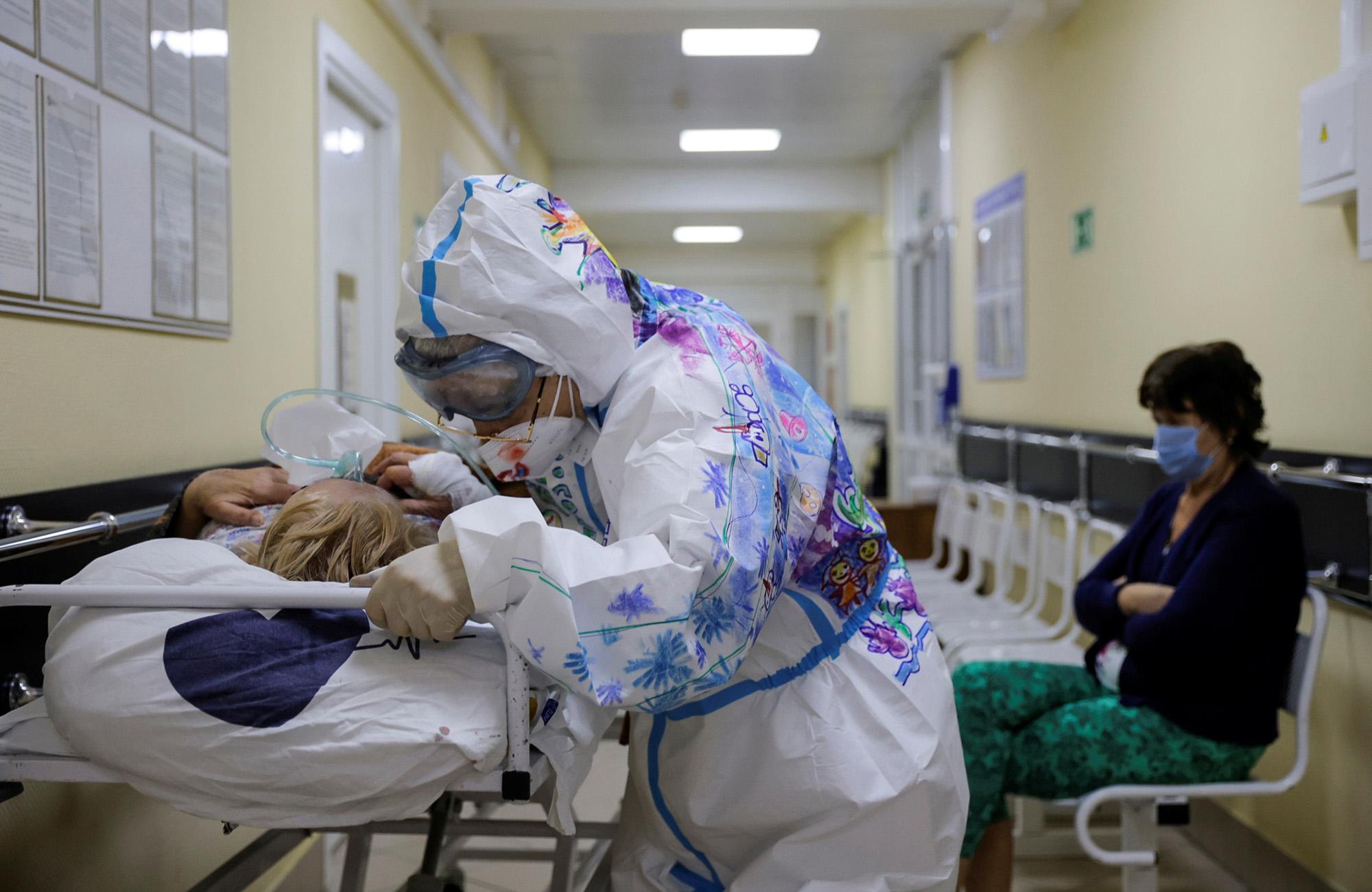 Ρωσία: 8.803 κρούσματα κορονοϊού και 356 νεκροί το τελευταίο 24ωρο