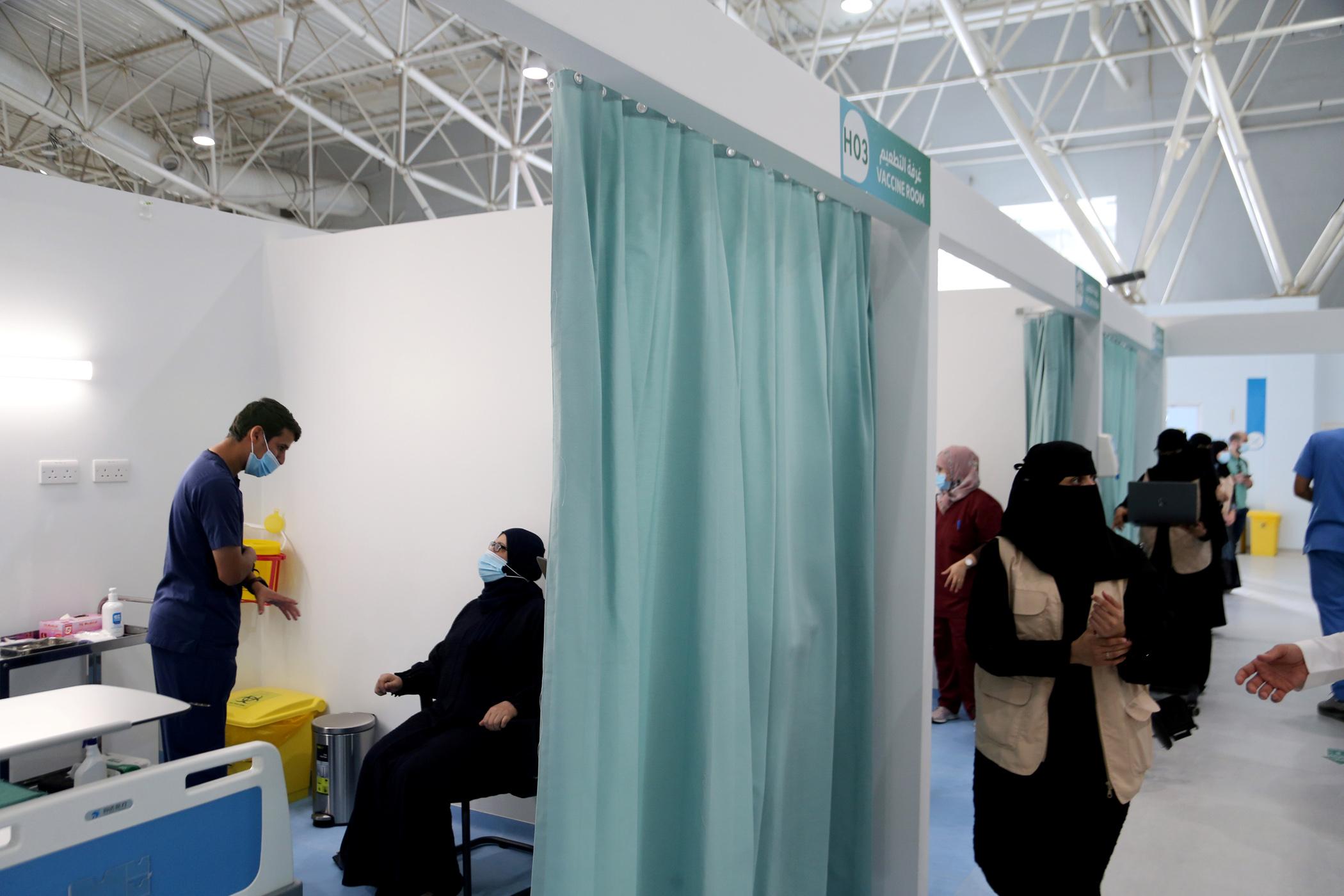 Σαουδική Αραβία: Ανοίγει και πάλι τα σύνορα και επιτρέπει διεθνείς πτήσεις