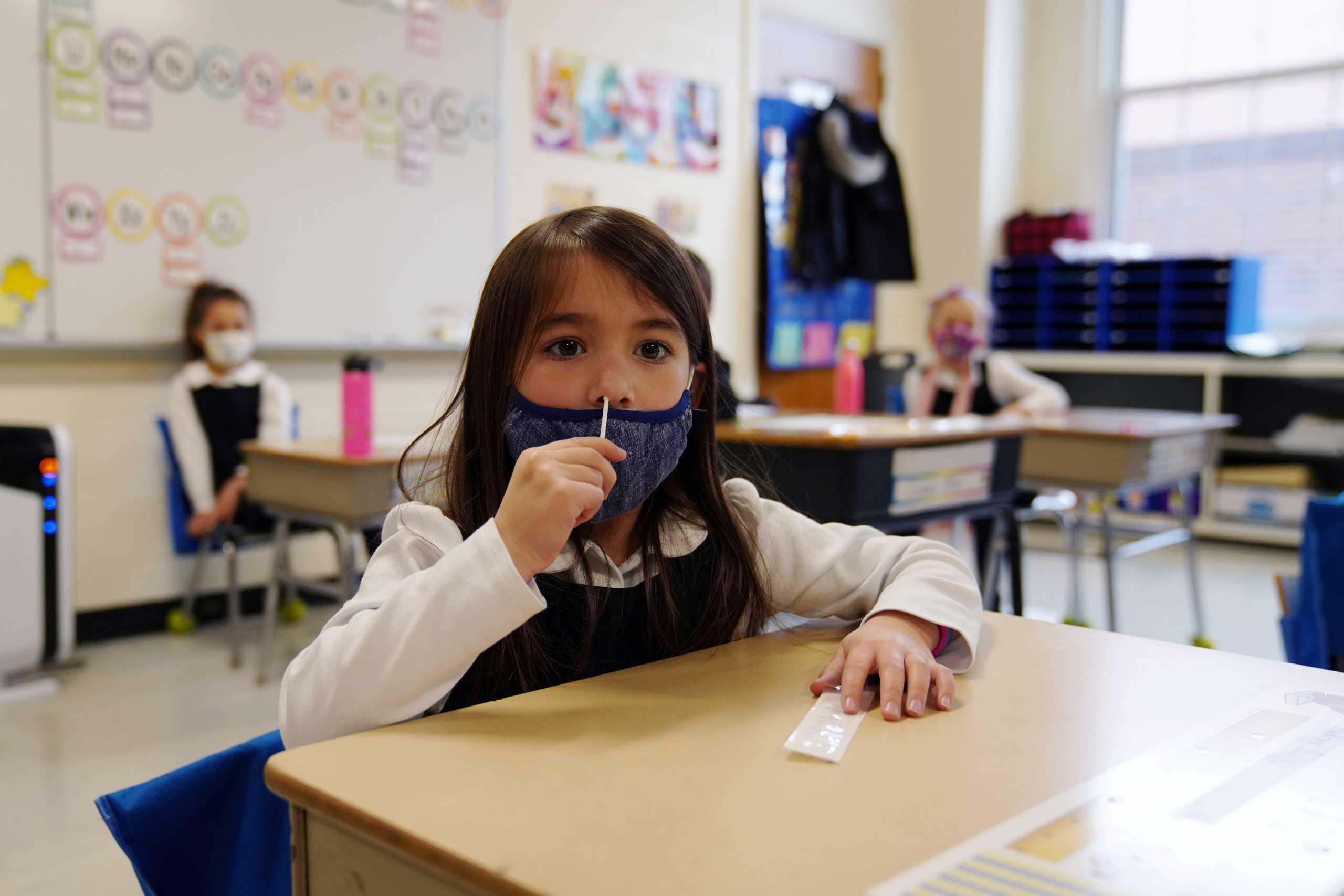 Κορονοϊός – ΗΠΑ: «Έκρηξη» κρουσμάτων στα παιδιά με το άνοιγμα των σχολείων