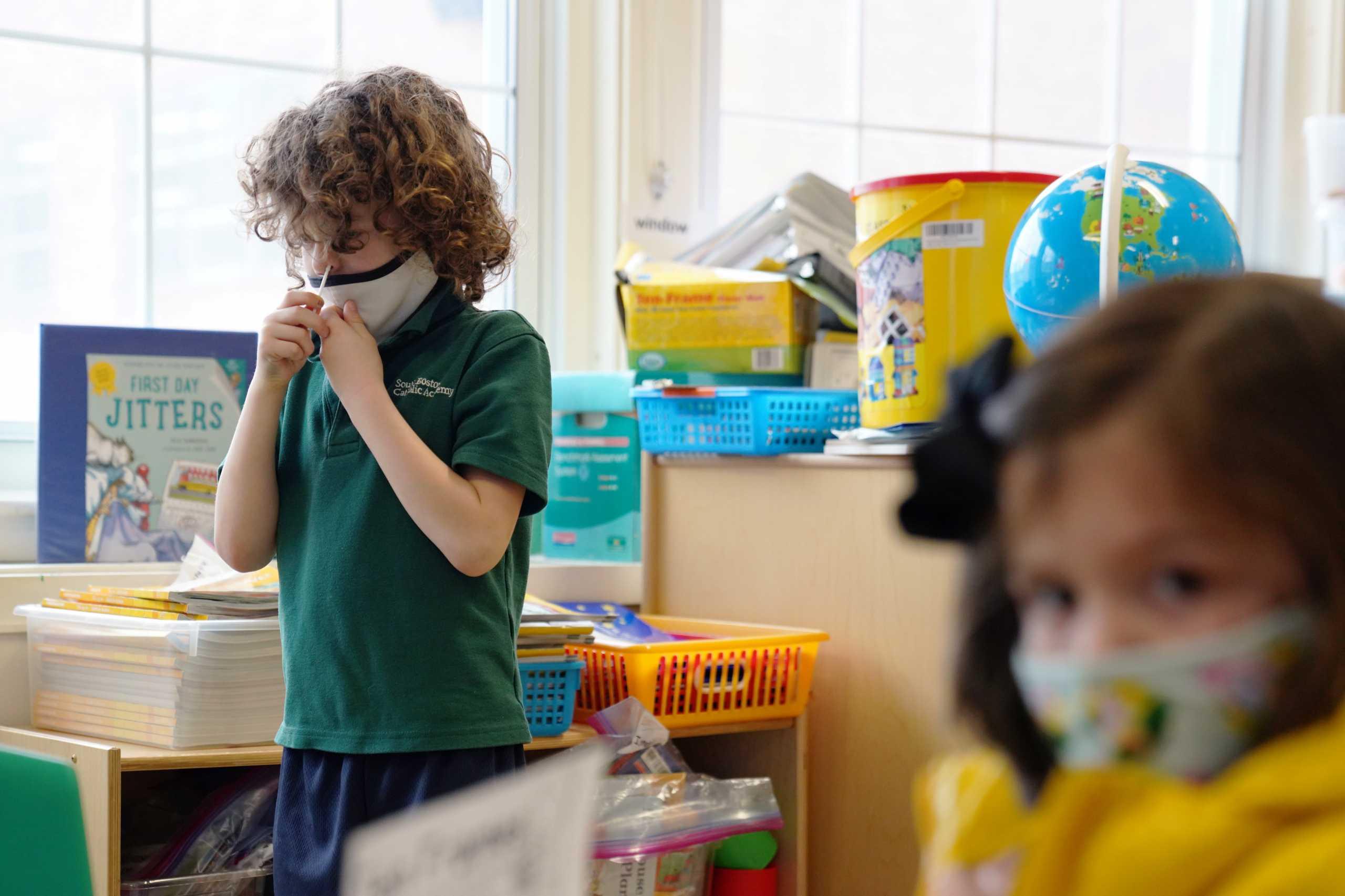 Κορονοϊός – Έρευνα: Ακόμη και τα παιδιά μπορεί να νοσούν για μήνες με επίμονα συμπτώματα