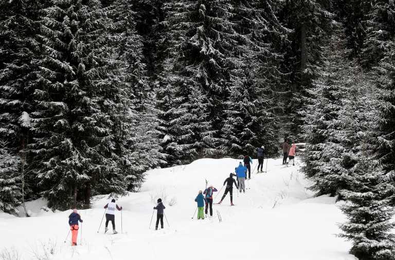 Καταγγελία δημάρχου στην Τσεχία:  Εκδρομείς φέρνουν τα σκι, τα έλκηθρά τους, αλλά και τον κορονοϊό