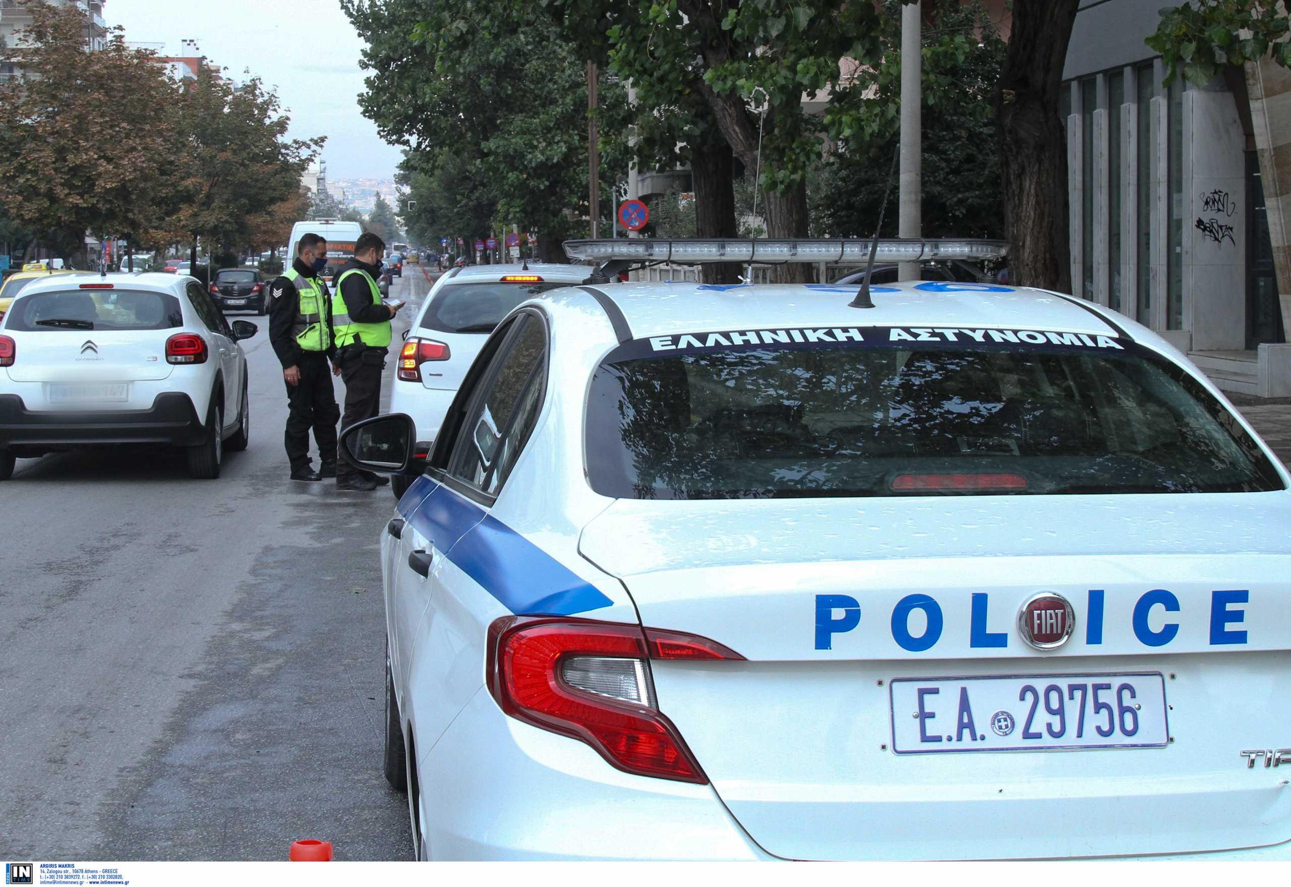 Lockdown: 312.000 ευρώ πρόστιμα σε 24 ώρες – Χειροπέδες για κορονοπάρτι