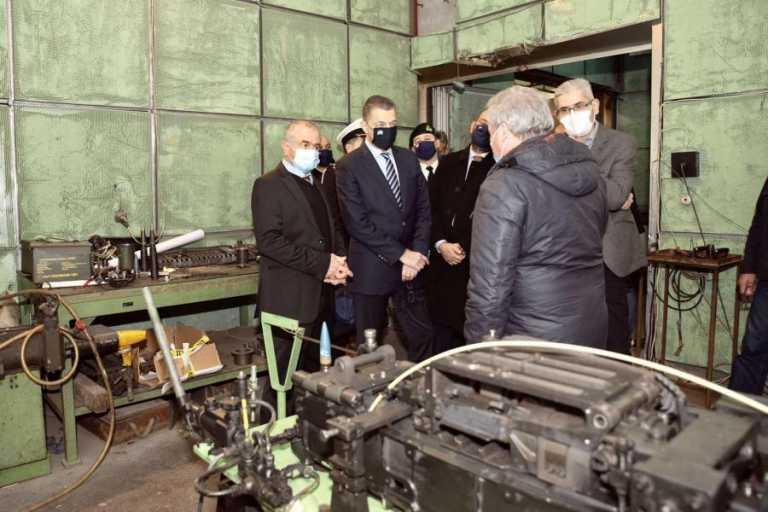 Στο εργοστάσιο Ελληνικών Αμυντικών Συστημάτων ο Αλκιβιάδης Στεφανής [pics]