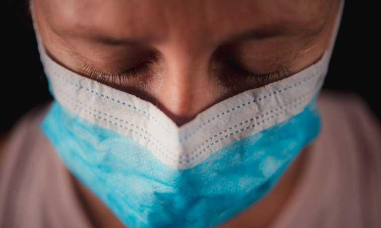 Κορονοϊός: Υπάρχει ένα σύμπτωμα που ίσως δεν φεύγει ποτέ, λένε οι γιατροί