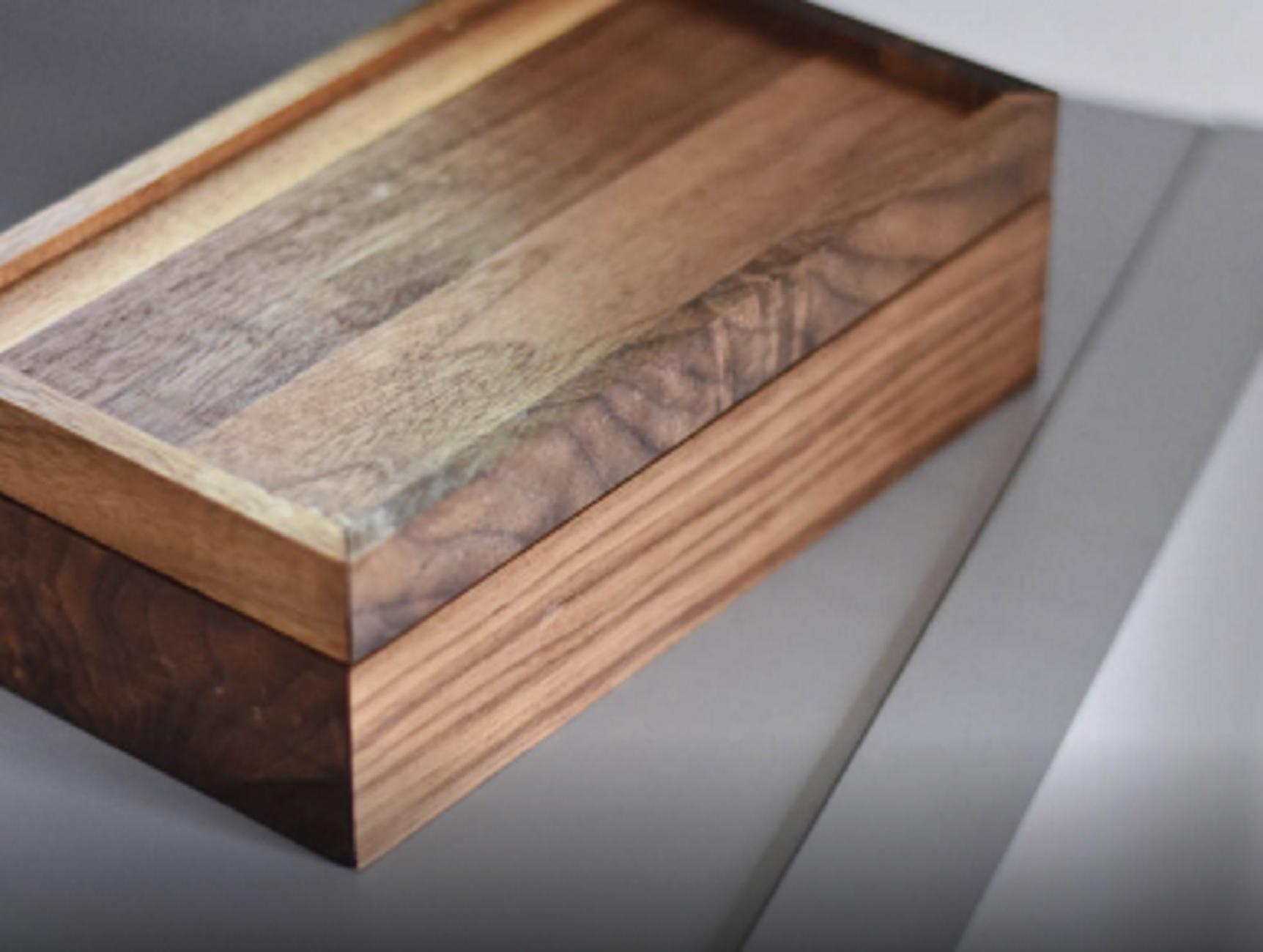 Μύκονος: Διαρρήκτες στο σπίτι του αείμνηστου Μηνά – Πάγωσαν όταν είδαν το ειδικό κουτί με την τέφρα του