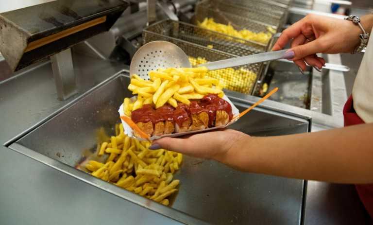 Η κατανάλωση πολλών τηγανητών φαγητών αυξάνει τον κίνδυνο εμφράγματος και εγκεφαλικού