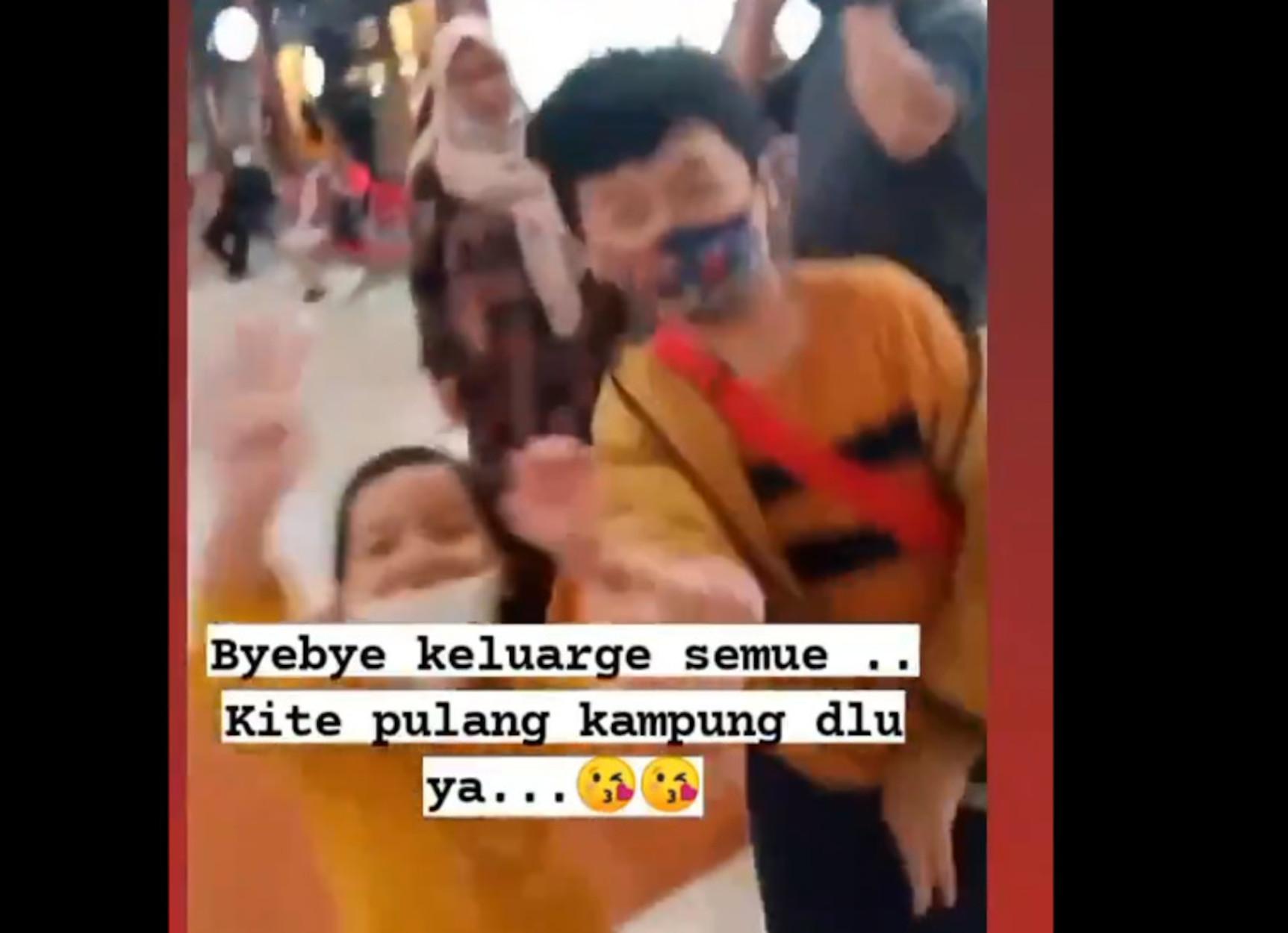 Ινδονησία: Στιγμές χαράς και μετά… χάθηκε για πάντα – Το βίντεο επιβάτη λίγο πριν μπει στο μοιραίο αεροπλάνο