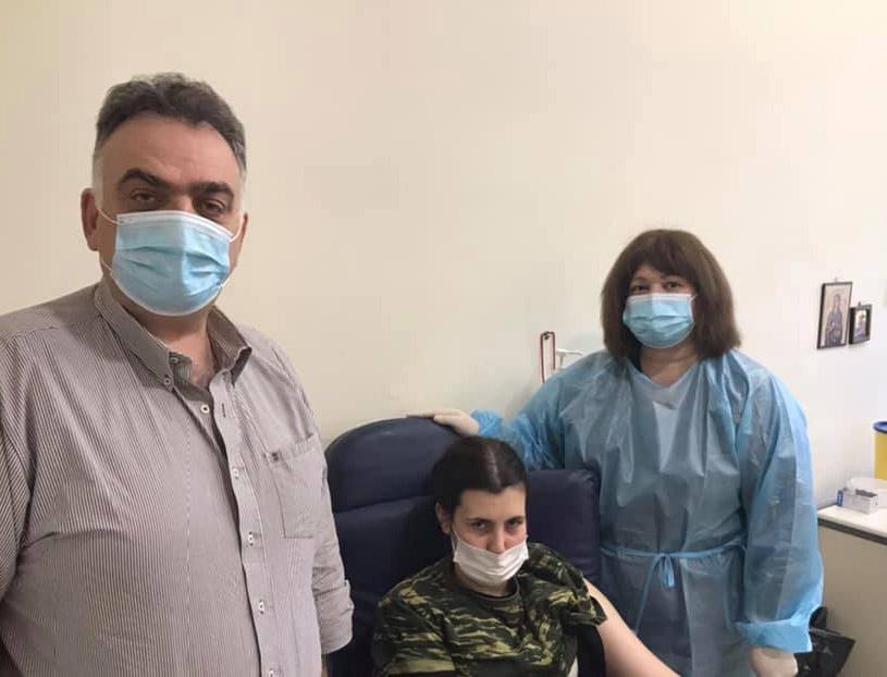 Τρίκαλα: Εμβολιάστηκαν κατά του κορονοϊού 100 σπουδαστές της ΣΜΥ