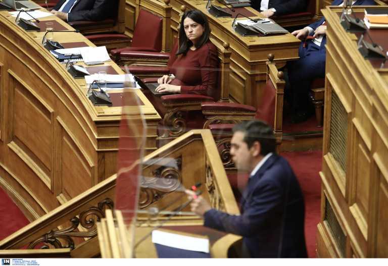 Ο ΣΥΡΙΖΑ δίνει ραντεβού «στους δρόμους» με την Κεραμέως