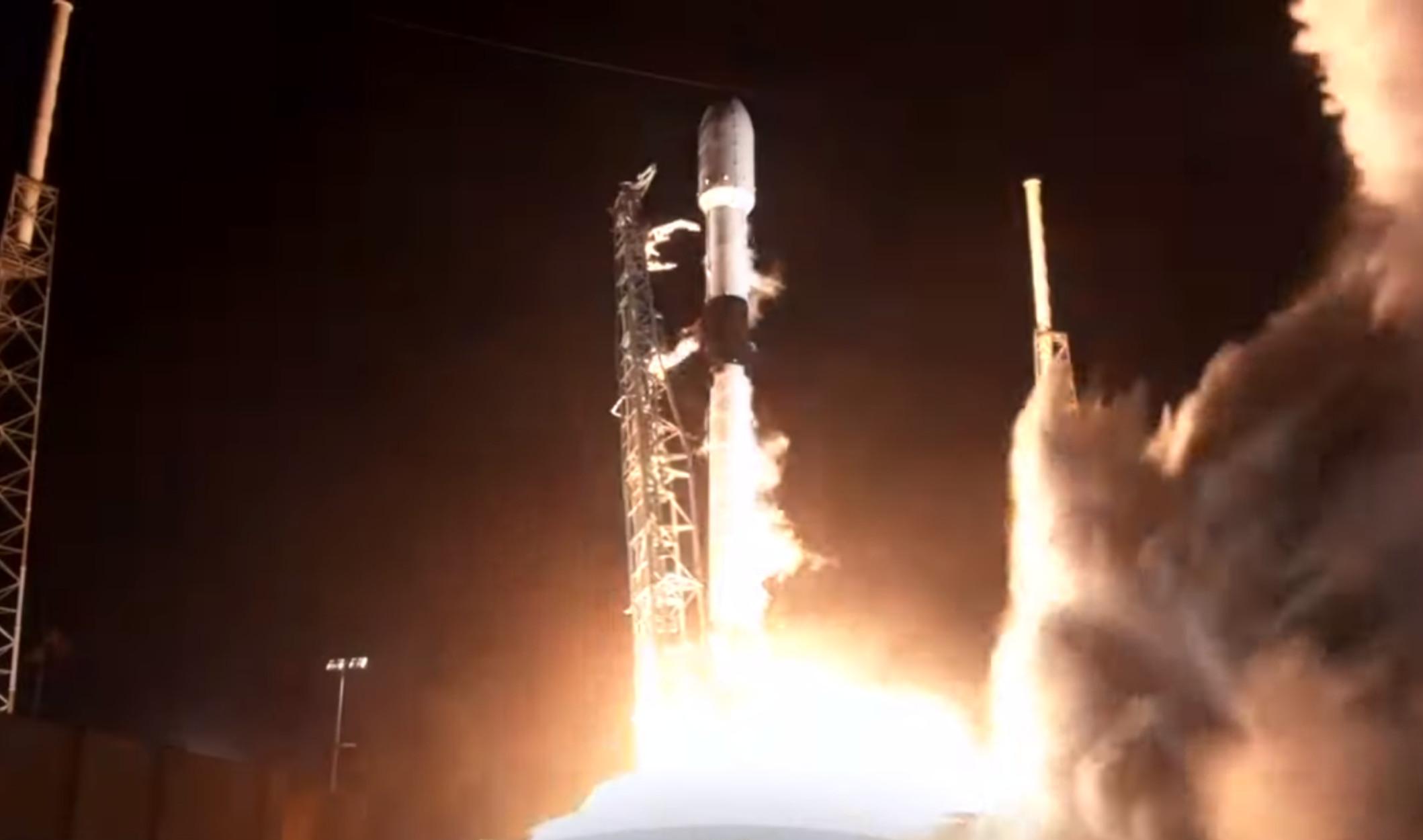 Ο Έλον Μασκ εκτόξευσε τον τουρκικό δορυφόρο (video)