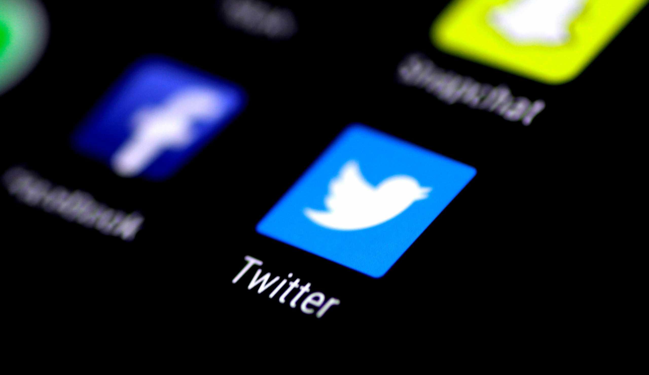 «Βουτιά» 7% για τη μετοχή του Twitter μετά το «μπλοκάρισμα» στον Τραμπ
