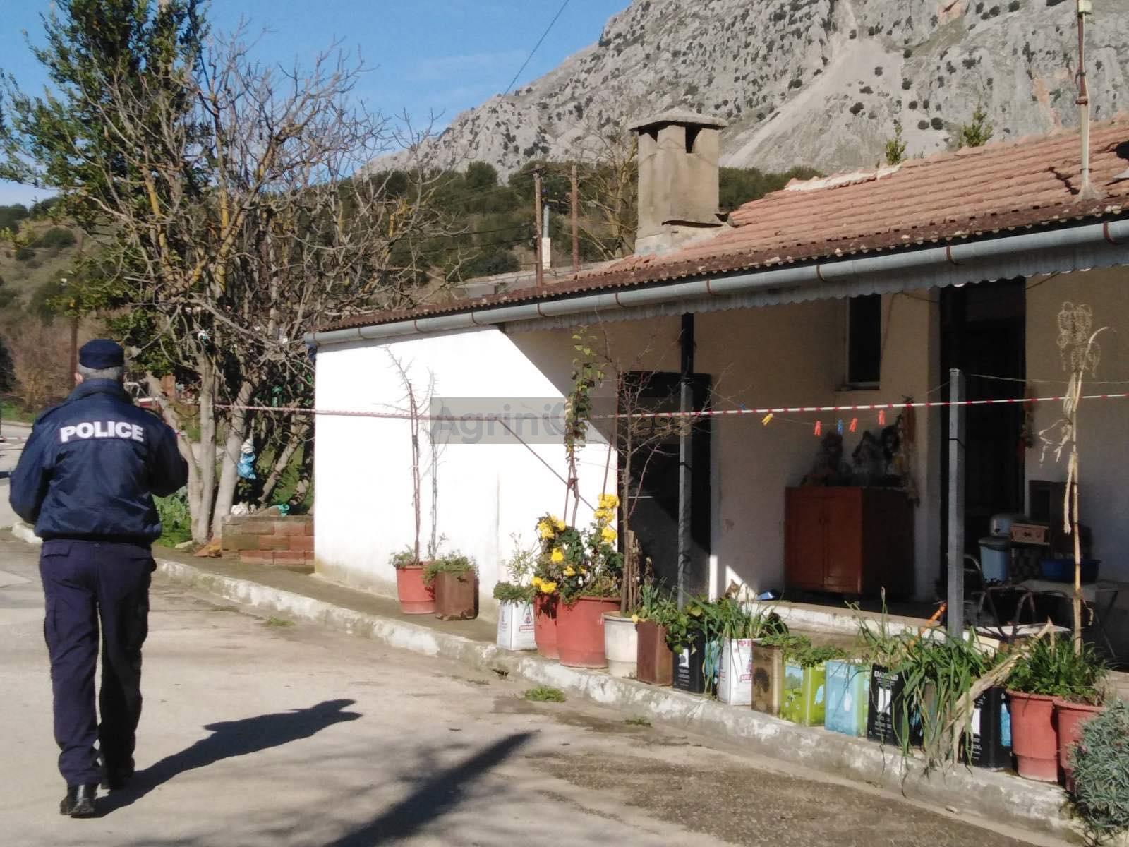 Αιτωλοακαρνανία: Χειροπέδες σε έναν συγγενή και δυο γείτονες για τη ληστεία των δυο ηλικιωμένων