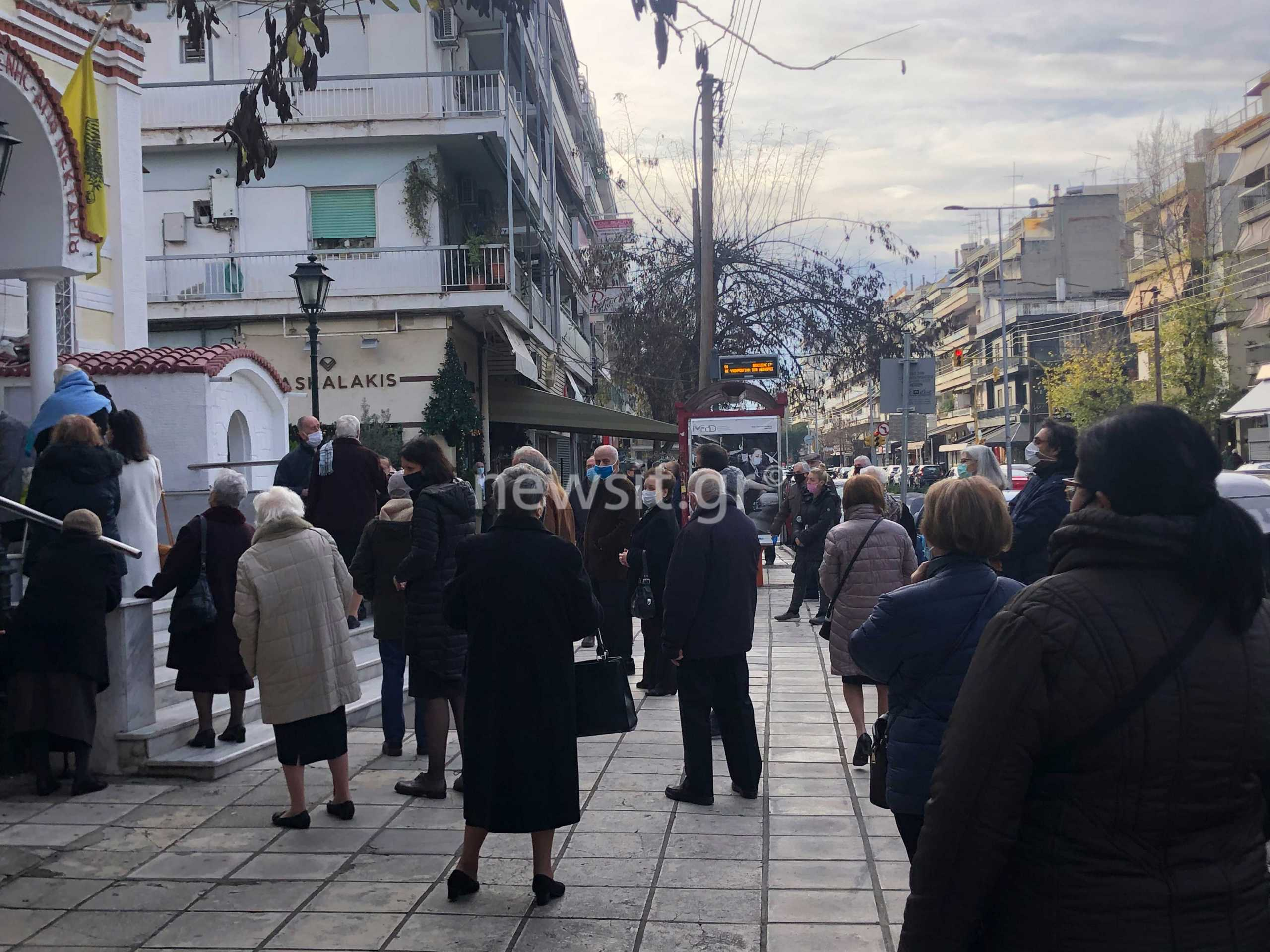Θεσσαλονίκη – Θεοφάνεια: Ατελείωτες ουρές στον Άγιο Νεκτάριο – H στάση των αστυνομικών  (pics, video)