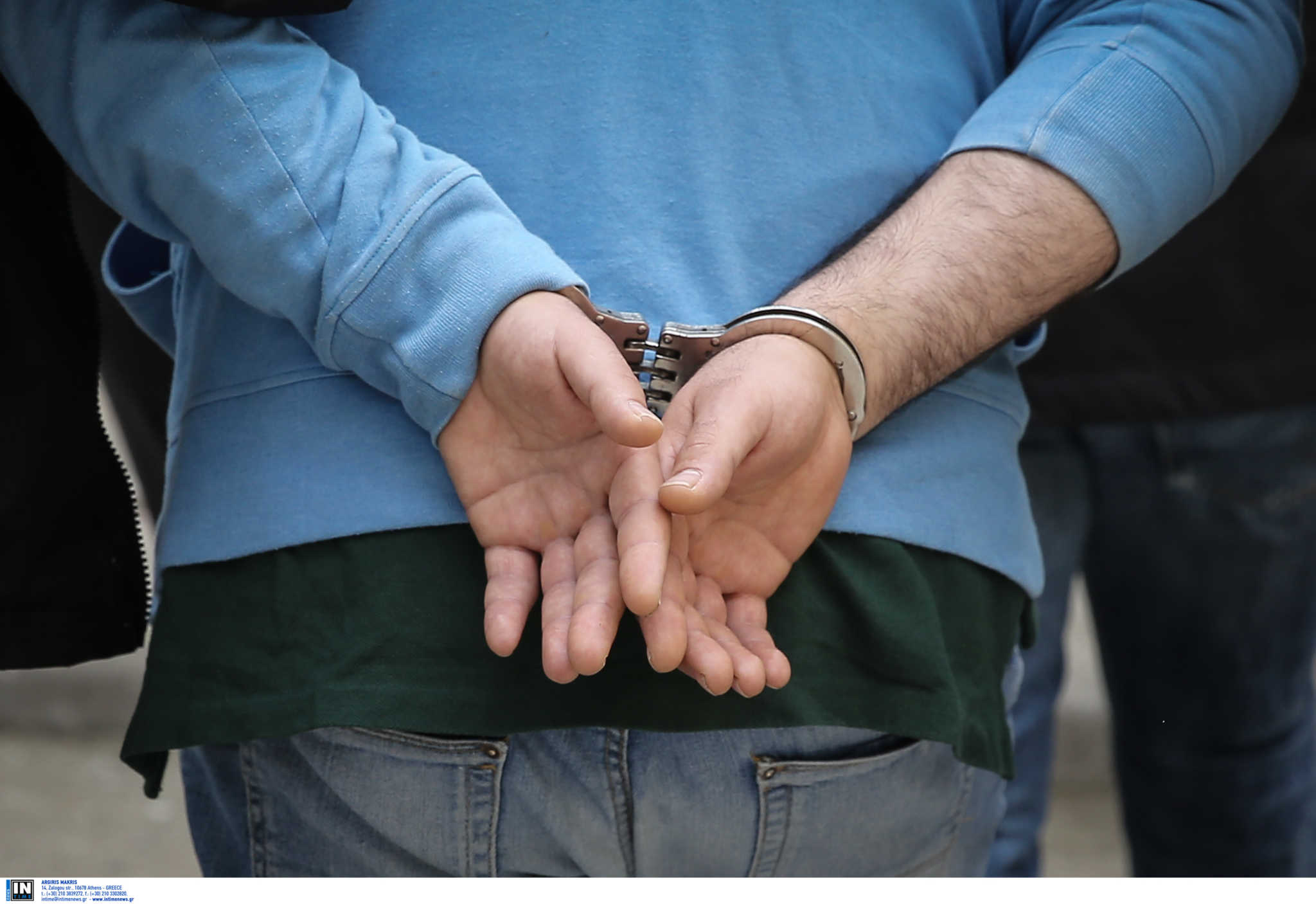 Ηράκλειο: Χειροπέδες σε δύο άνδρες για κατοχή κοκαΐνης