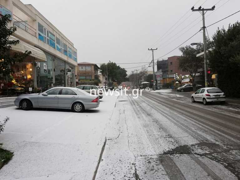 Καιρός: Χιονίζει τώρα στα βόρεια προάστια (pics)
