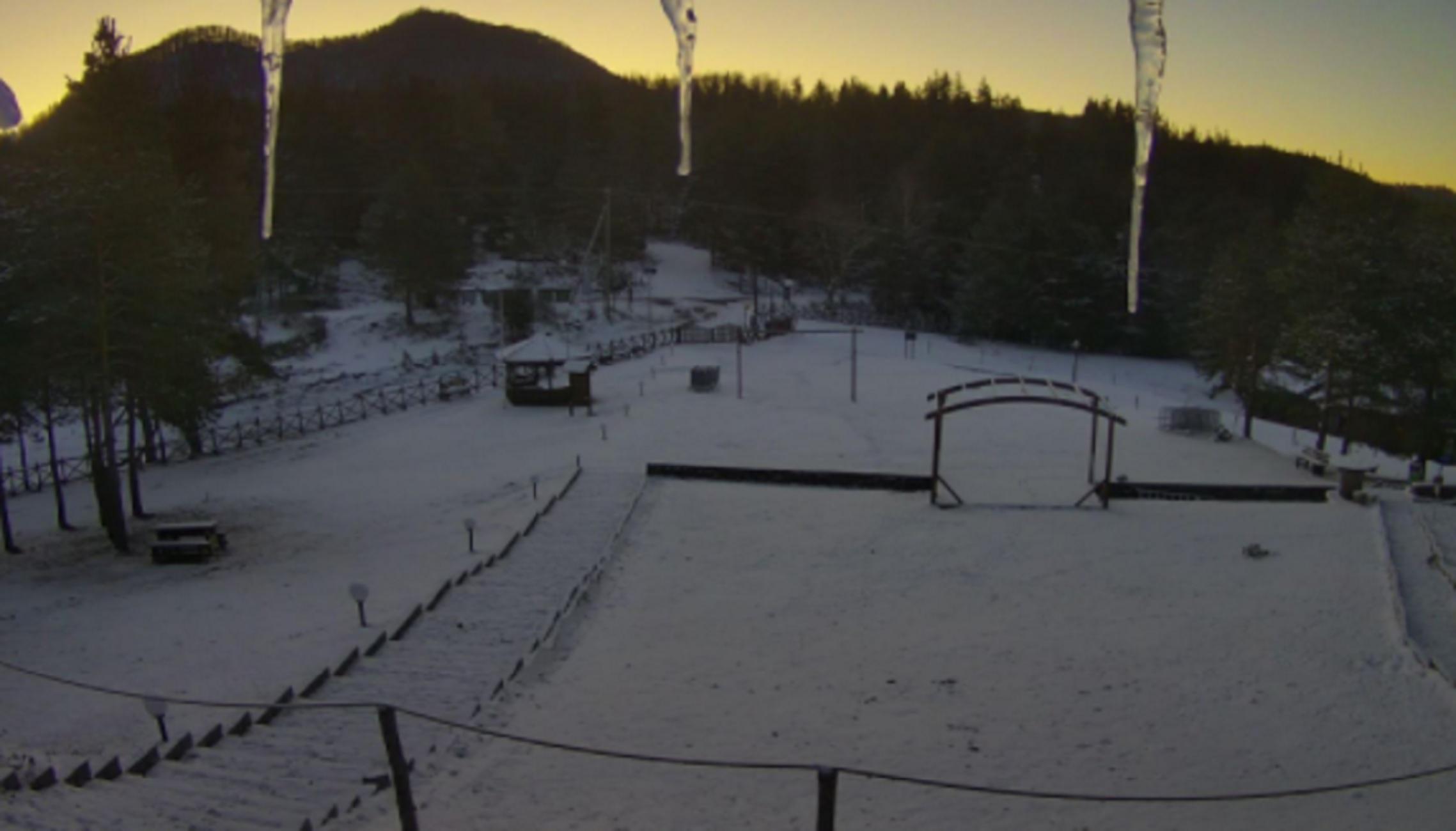 Καιρός – Ξάνθη: Χιόνια στα ορεινά με βουτιά της θερμοκρασίας – Στα λευκά το Δασικό Χωριό (pic)