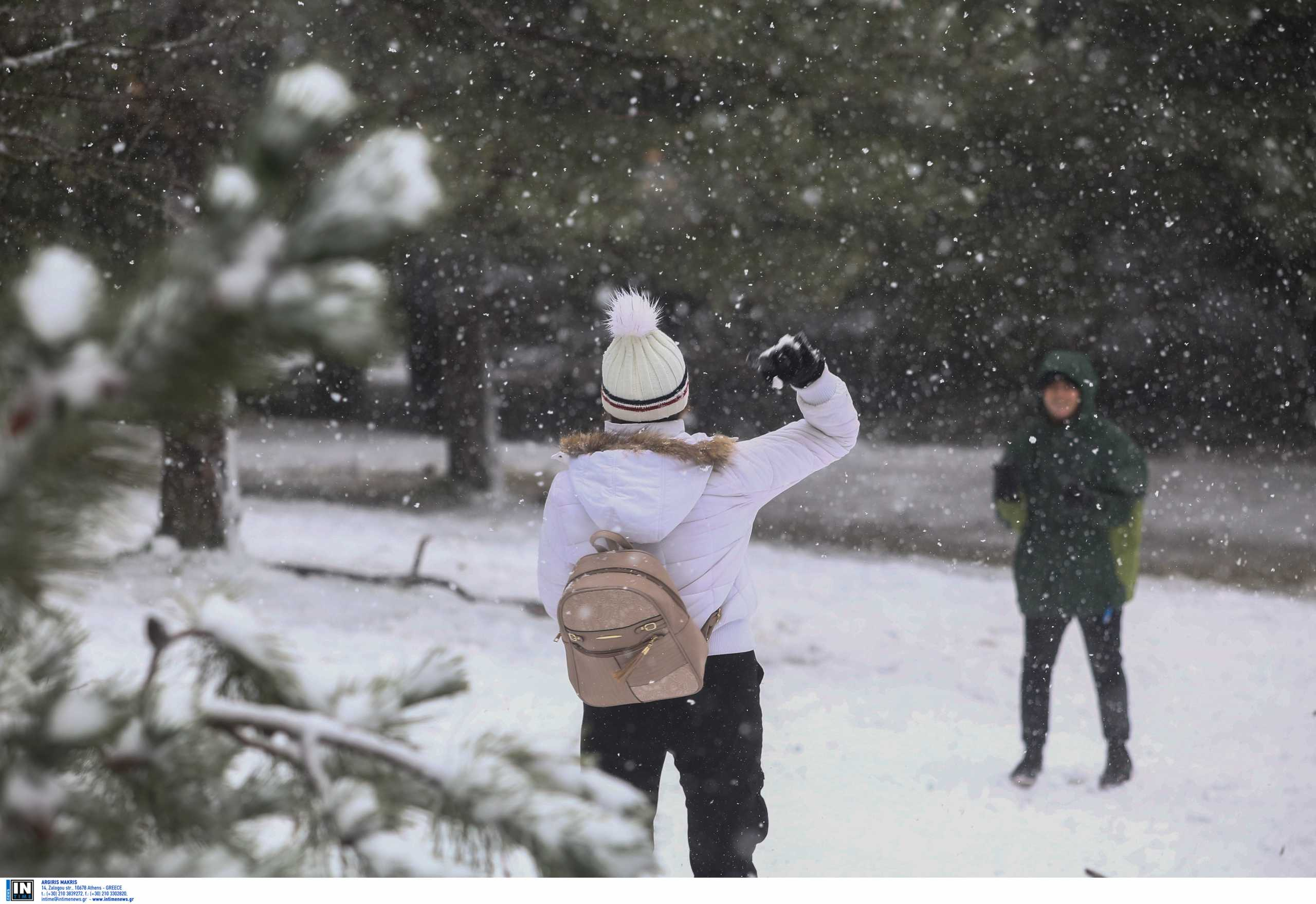 Καιρός: Αλλοπρόσαλλη κακοκαιρία - Κρύο ως την Τετάρτη, που θα χιονίσει