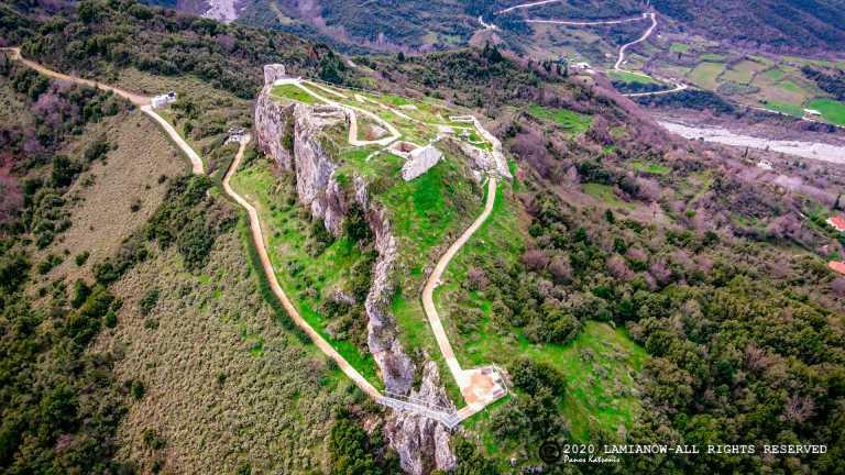 Φθιώτιδα: Το κάστρο στην Υπάτη που προκαλεί δέος – Ένα μοναδικό ταξίδι στο χρόνο με εικόνες που καθηλώνουν (video)