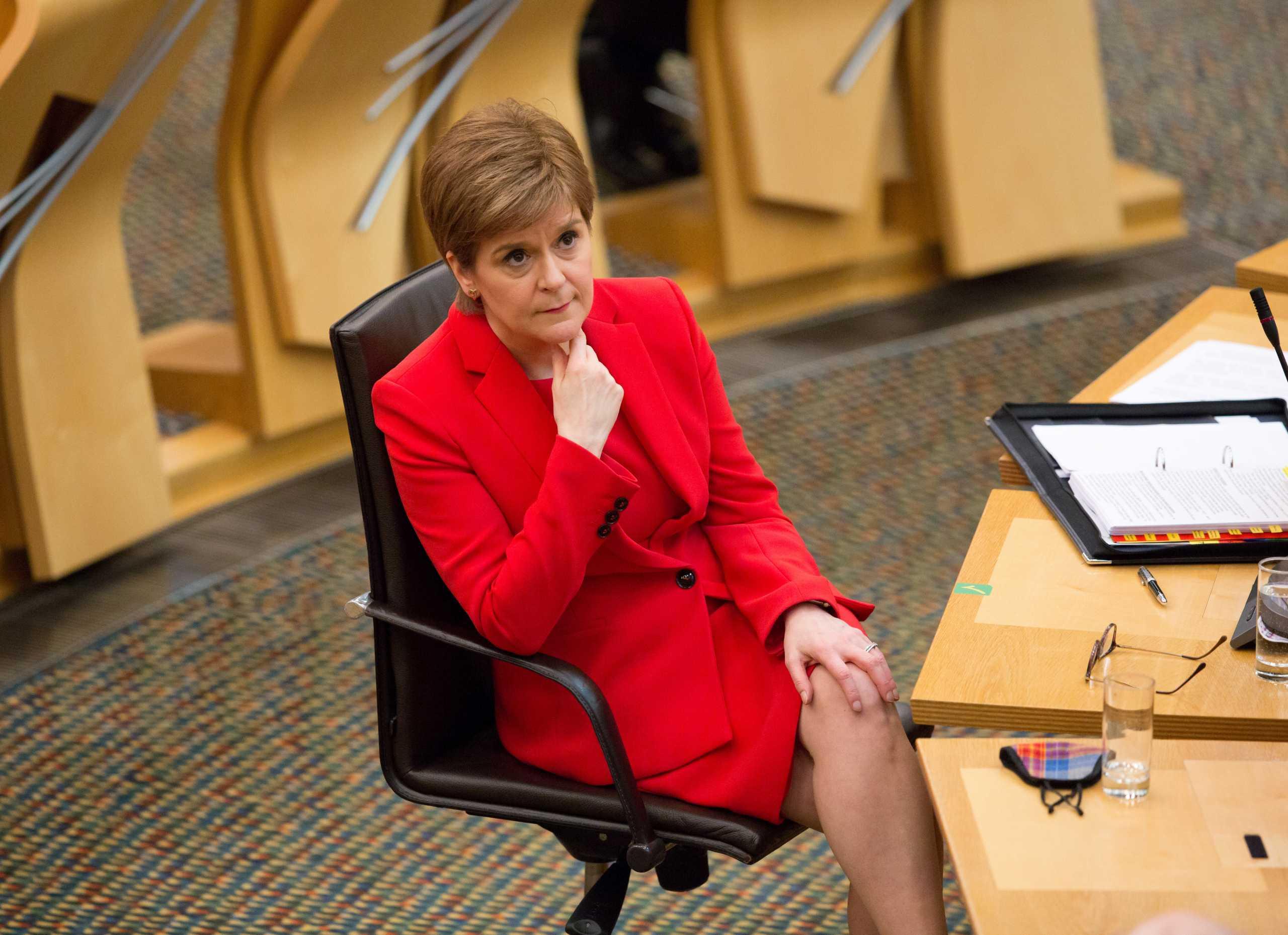 Σκωτία: Η Στέρτζον αυστηροποιεί το lockdown ελπίζοντας σε χαλάρωση τον Μάρτιο