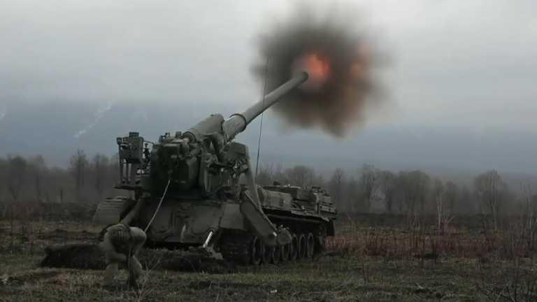 «Κόβουν την ανάσα» βολές από τους σοβιετικούς «ισοπεδωτές πόλεων» 2S7 Pion και 2S4 Tyulpan! [vid]