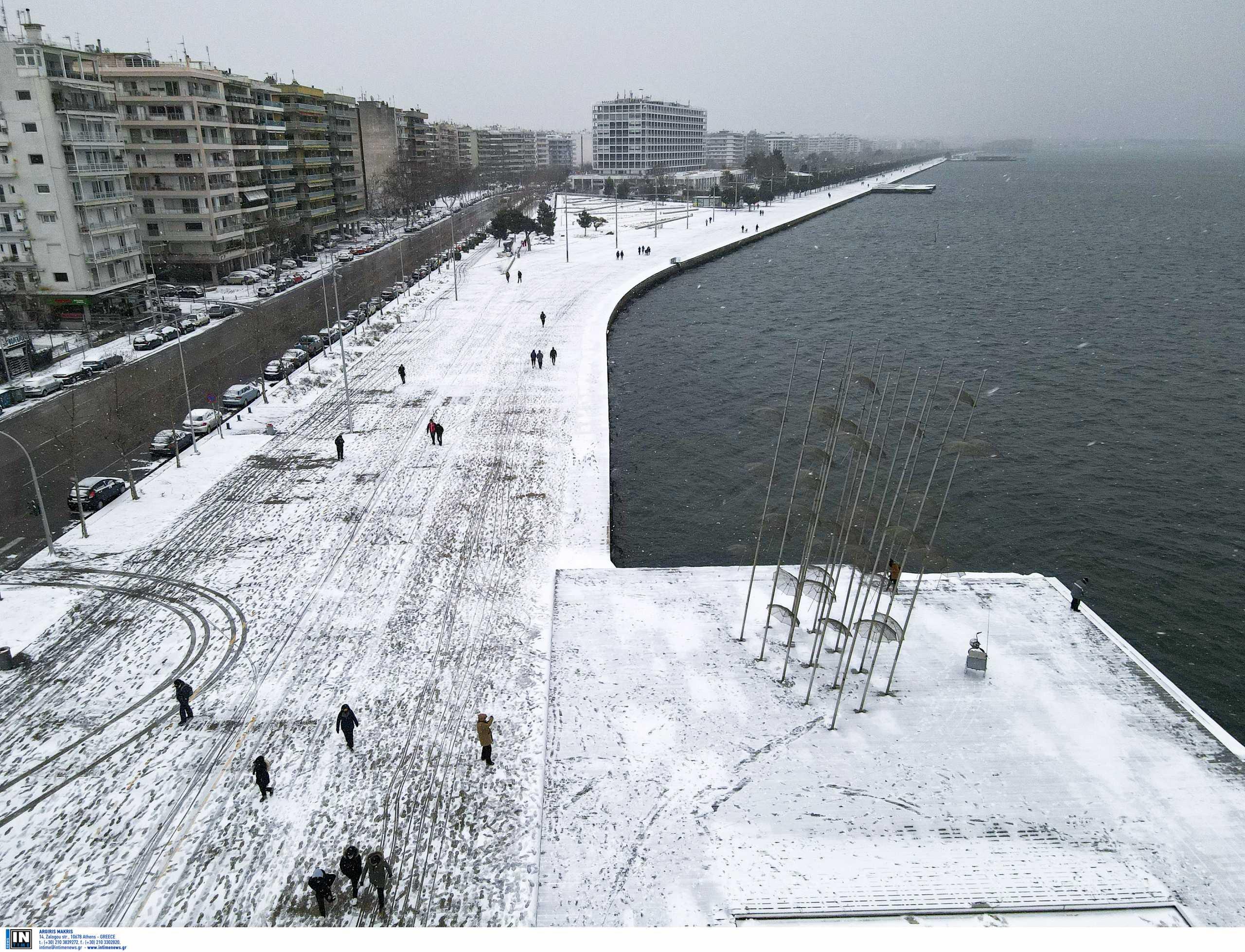 Καιρός – Θεσσαλονίκη: Απολαυστική βόλτα με drone – Μοναδικά στιγμιότυπα στην πλατεία Αριστοτέλους (video, pics)