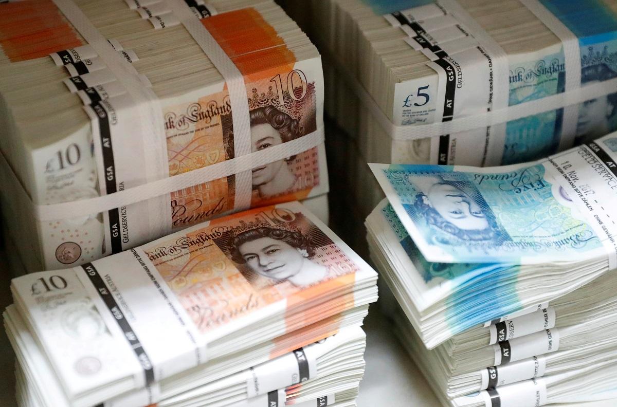 Συρρίκνωση ρεκόρ 9,9% για τη βρετανική οικονομία το 2020 λόγω της πανδημίας