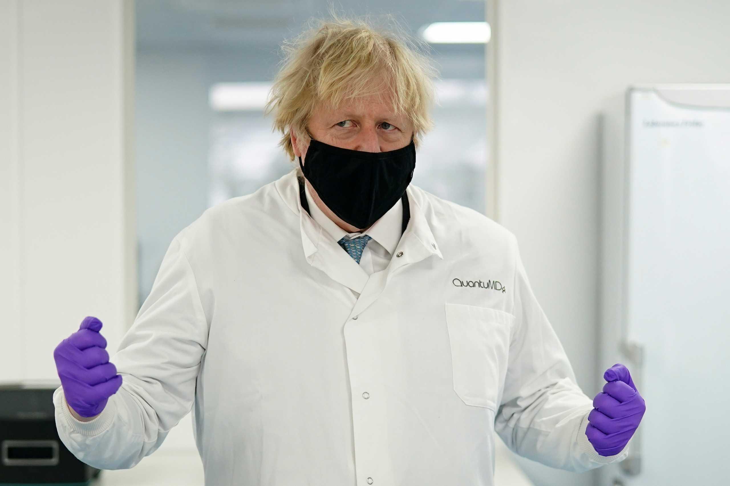 Βρετανία: Πιέζεται ο Τζόνσον να «ανοίξει» την οικονομία – Σχεδιάζει πορεία «εξόδου» χωρίς επιστροφή
