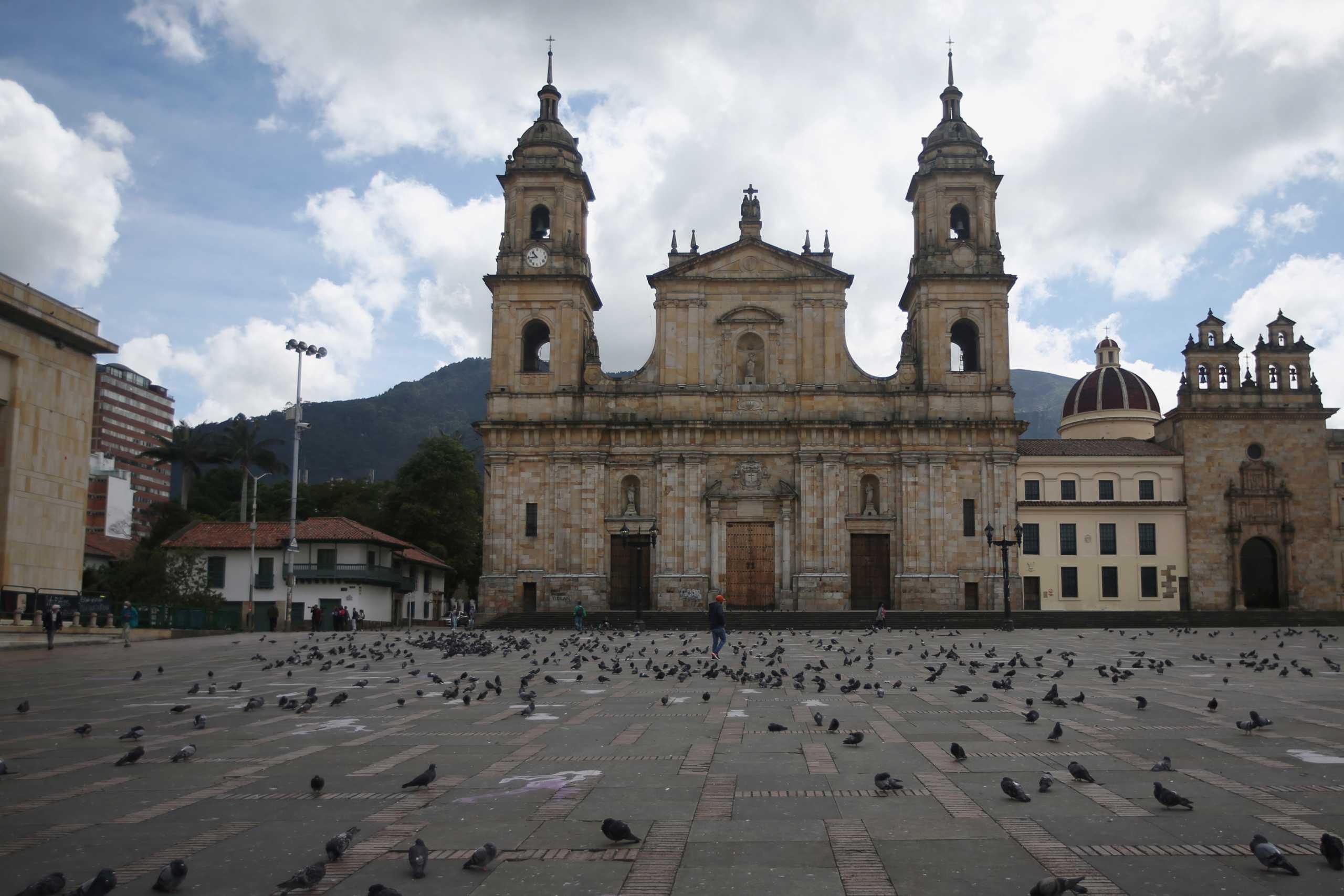 Κολομβία: Ξεπέρασαν τους 55.000 οι θάνατοι από κορονοϊού – Πάνω από 2,1 εκατομμύρια κρούσματα