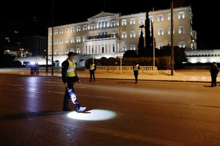 Κορονοϊός: Σφυροκοπά την Αττική – Προβληματίζουν Θεσσαλονίκη και Αχαΐα