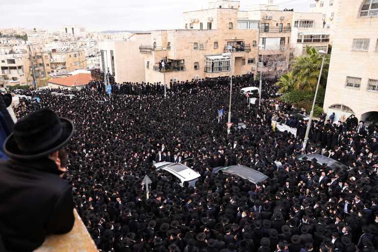 Ισραήλ: Στους δρόμους της Ιερουσαλήμ χιλιάδες υπερορθόδοξοι Eβραίοι – Οργή για την παραβίαση του lockdown (pics, vids)