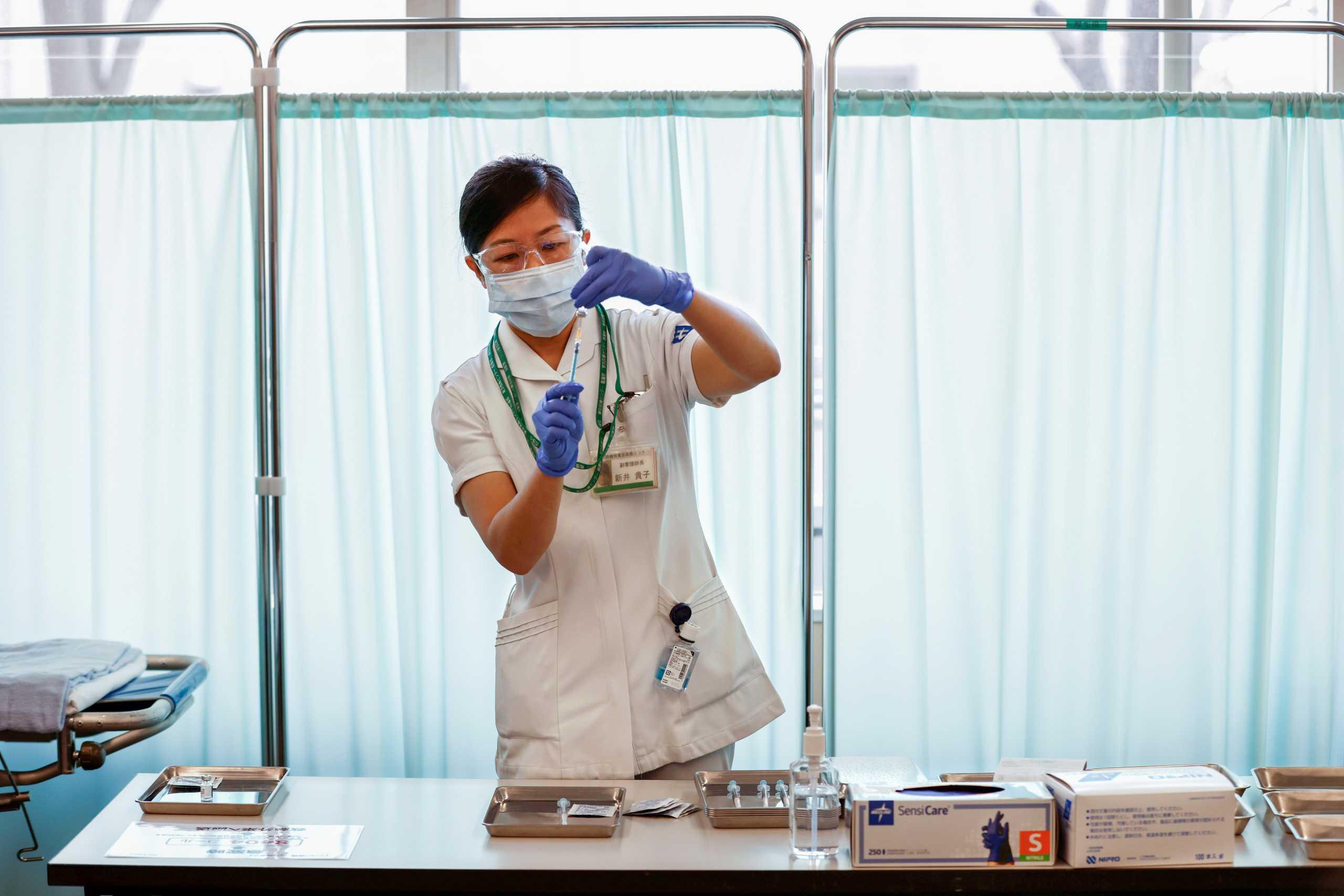 Κορονοϊός: Το Πεκίνο ενέκρινε δύο νέα κινεζικά εμβόλια