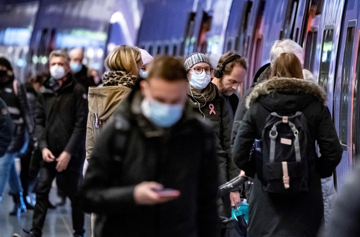 Σουηδία: Μειώθηκαν οι ημερήσιοι θάνατοι μετά από δυο μήνες