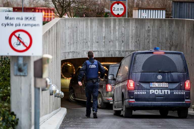 Δανία: Με φυλάκιση καταδικάστηκε άνδρας που έβηξε σε αστυνομικό